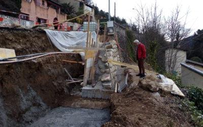 Deux murs de soutènement en cours de reconstruction (Plein Soleil et Chastagnier)