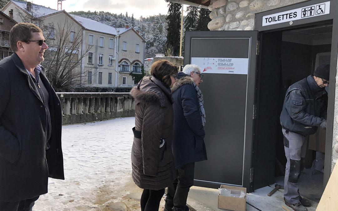 Installation de toilettes publiques automatiques dans le Parc