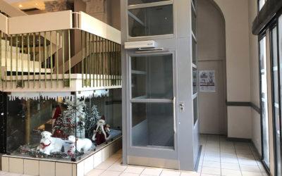 Le Cinéma Les Quinconces desservi par un ascenseur