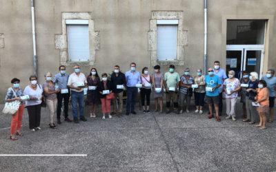 Distribution de masques chirurgicaux aux associations
